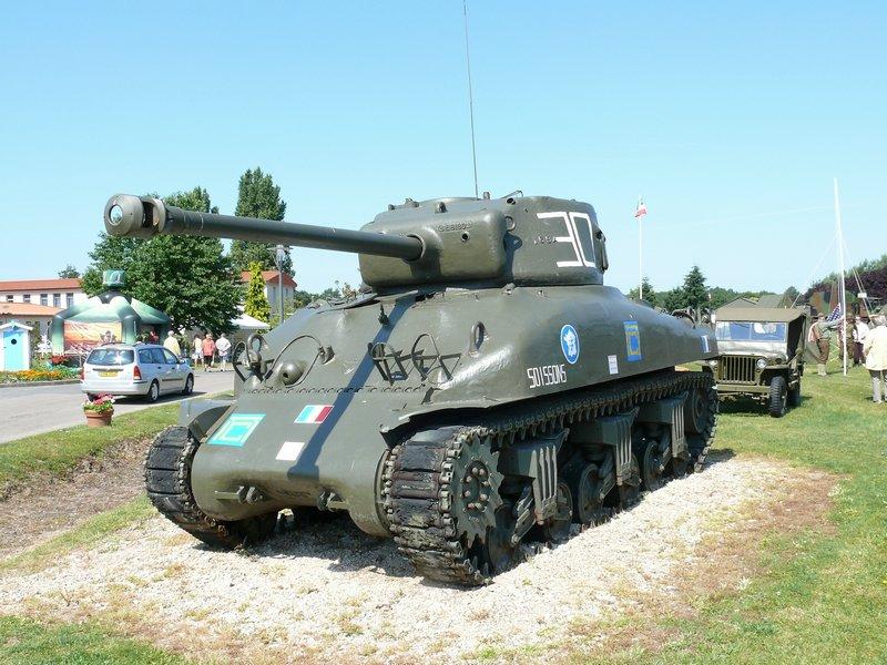 Chars US 1944 sur la base d'Olivet M4A1%20Sherman%20Olivet%201
