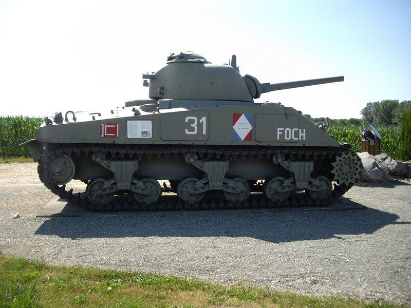 Sherman M4A4 Cyber-hobby 1/35  fini!!!!!!! - Page 7 M4A4T%20Sherman%20Chavanne%205
