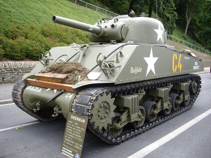 M4105W.JPG